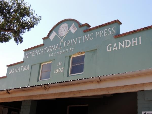 Het gebouw in Durban waar Mahatma Gandhi in Zuid-Afrika zijn protestkrant printte. Foto Niels Posthumus