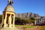 De Tafelberg gezien vanaf Kaapstad. Foto Niels Posthumus
