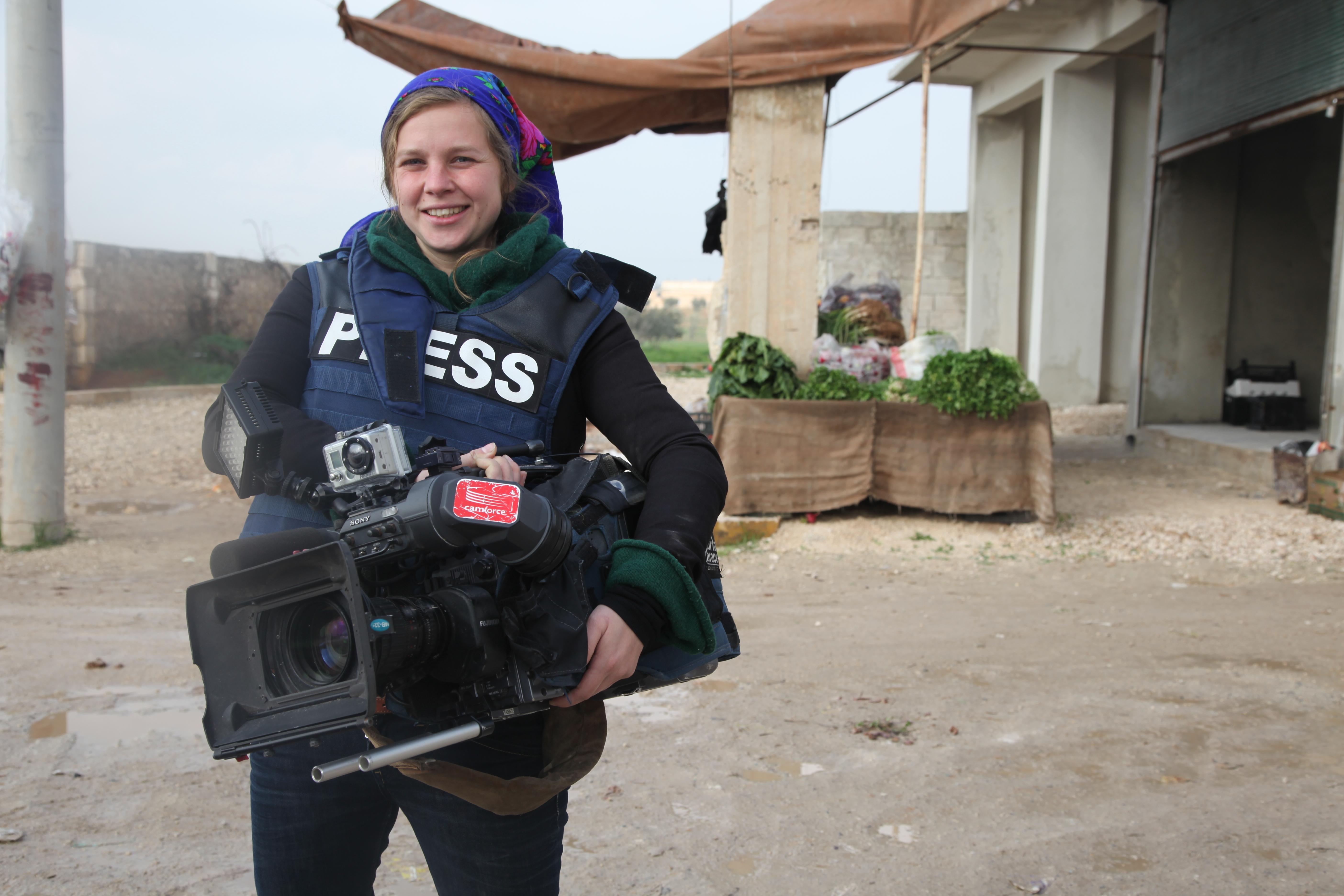 Ruth Vandewalle is een van de vrouwelijke journalisten die regelmatig verslag doet in Syrië. Foto Joris Hentenaar