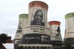 Afbeelding van president Jacob Zuma op een oude elektriciteitscentrale in Bloemfontein. Foto Niels Posthumus