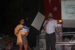 Advocaten Zeynep Gurcan en Aziz Aytac informeren forumbezoekers over hun rechten in geval van arrestatie. Foto Tan Tunali