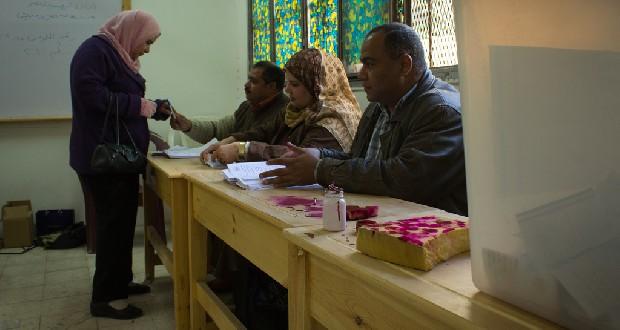 Egyptenaren stemmen in het referendum over de grondwet | Foto: Ester Meerman