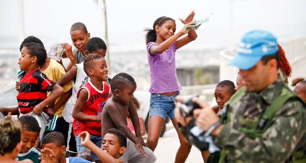 Fotograaf Bruno Itan - dansende kindjes Alemão