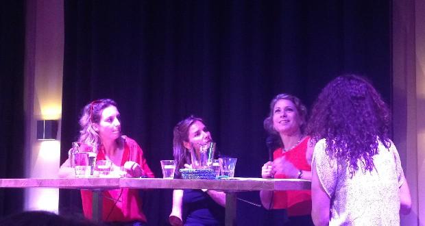 vlnr: Iris Hannema, Judith Spiegel, Kysia Hekster, Saïda Maggé (interviewster) Foto: Clara van de Wiel