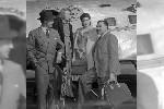 Martha Gellhorn (tweede van links) met haar toenmalige echtgenoot Ernest Hemingway (rechts) in 1941 (Foto: Bettmann/CORBIS)